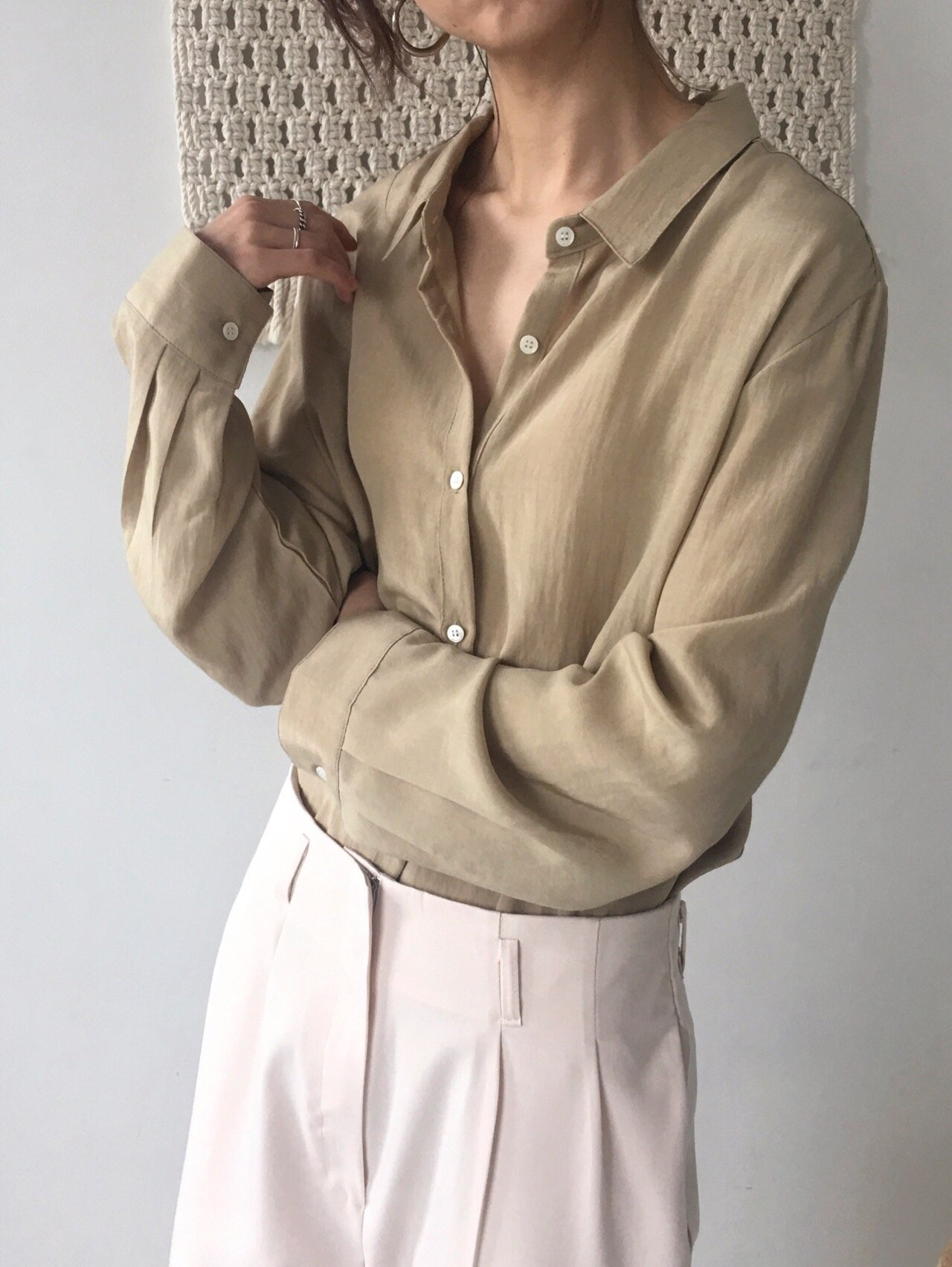 8369289dba7 루즈핏셔츠 여자루즈핏셔츠 여자셔츠 여성셔츠 여자남방 여성남방 핑크셔츠 베이지셔츠 여자봄셔츠 여성봄셔츠