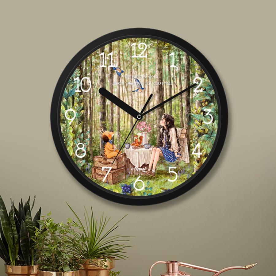 스마트 스토어에서 구입가능한 상품입니다. 숲속 작은 카페. 애뽈 벽시계 (4종)