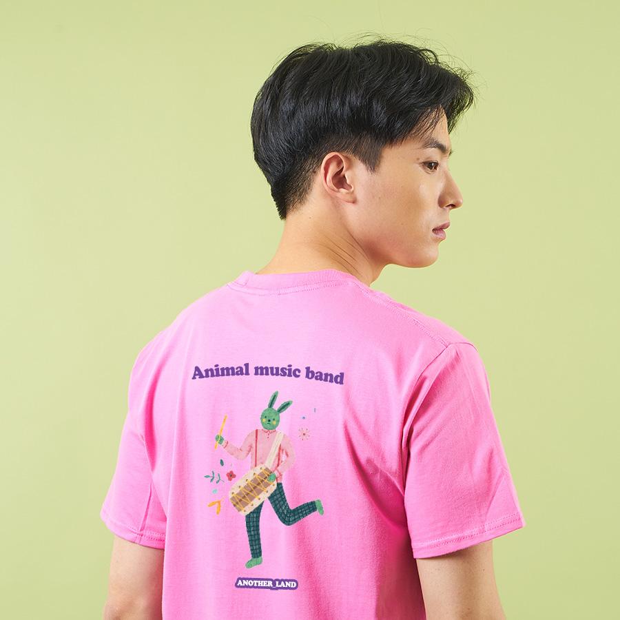 스마트 스토어에서 구입가능한 상품입니다. 토끼 .김이숲 반팔 티셔츠