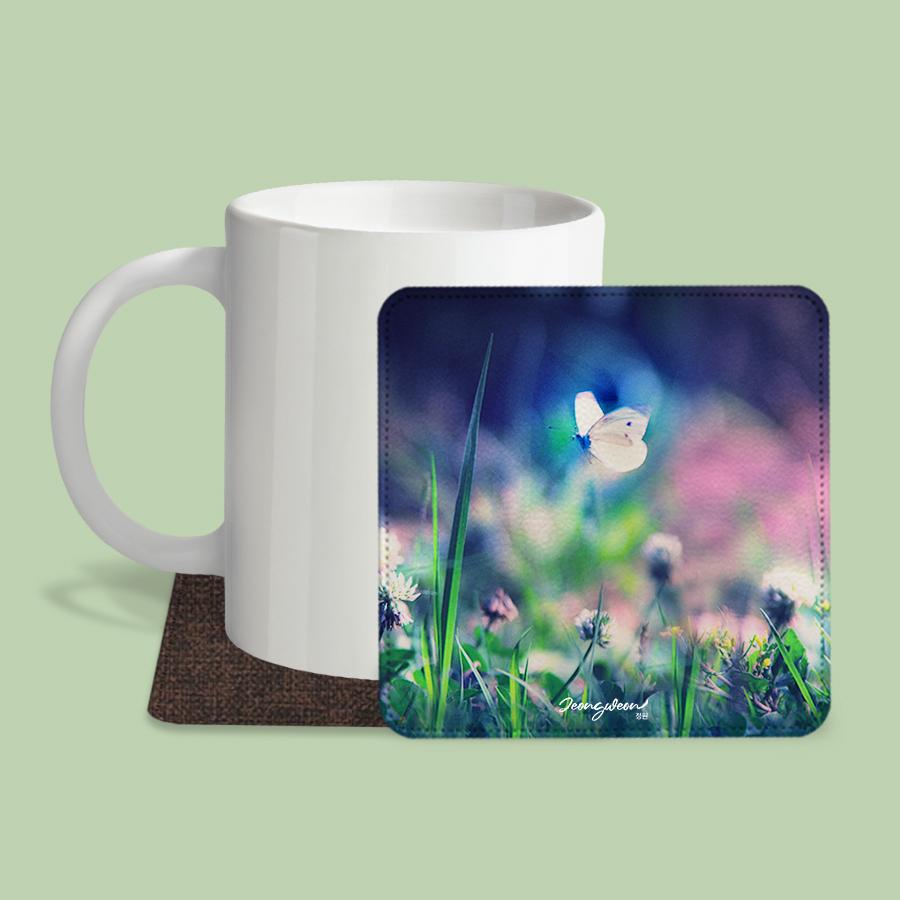 스마트 스토어에서 구입가능한 상품입니다. Fairy Tale Forest.정원 (레더코스터) (컵 받침 2개 세트)