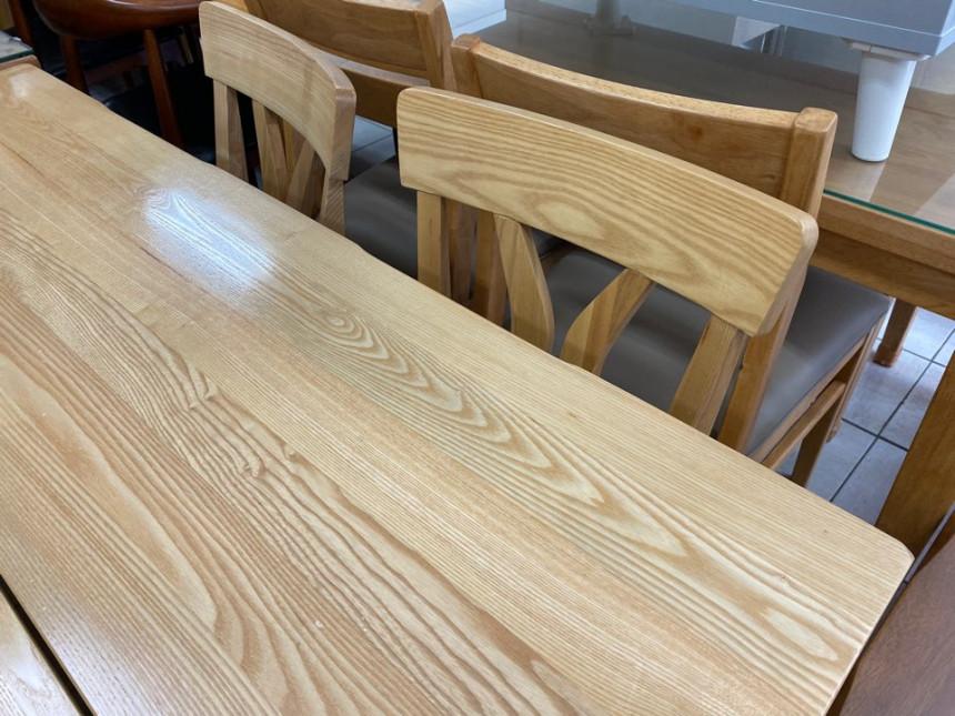 wood_table_02.jpg