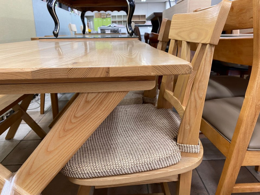 wood_table_06.jpg
