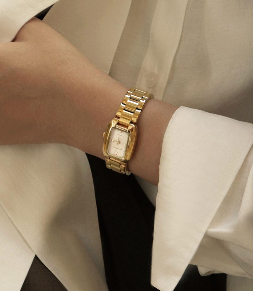 볼드한여자시계