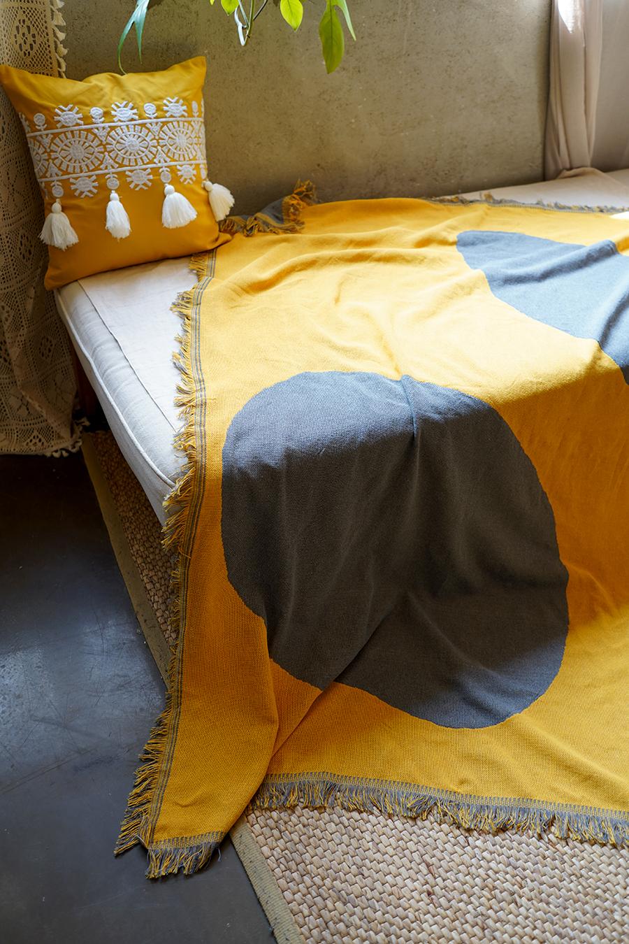 블랑쉬하우스(BLANCHE HOUSE) 블랑쉬 옐로우앤그레이 따로또함께 아트 블랭킷 빈티지 블랭킷 130x180